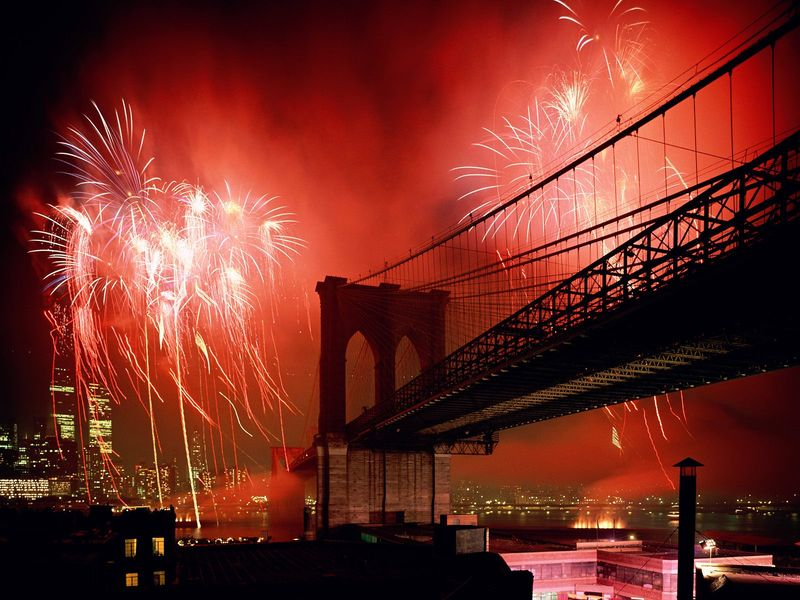 Celebration-Brooklyn-Bridge-New-York-City-1-1600x1200